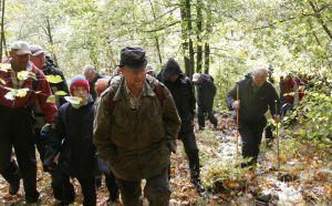 Jon Harald Rømteland viser vei opp til gruva